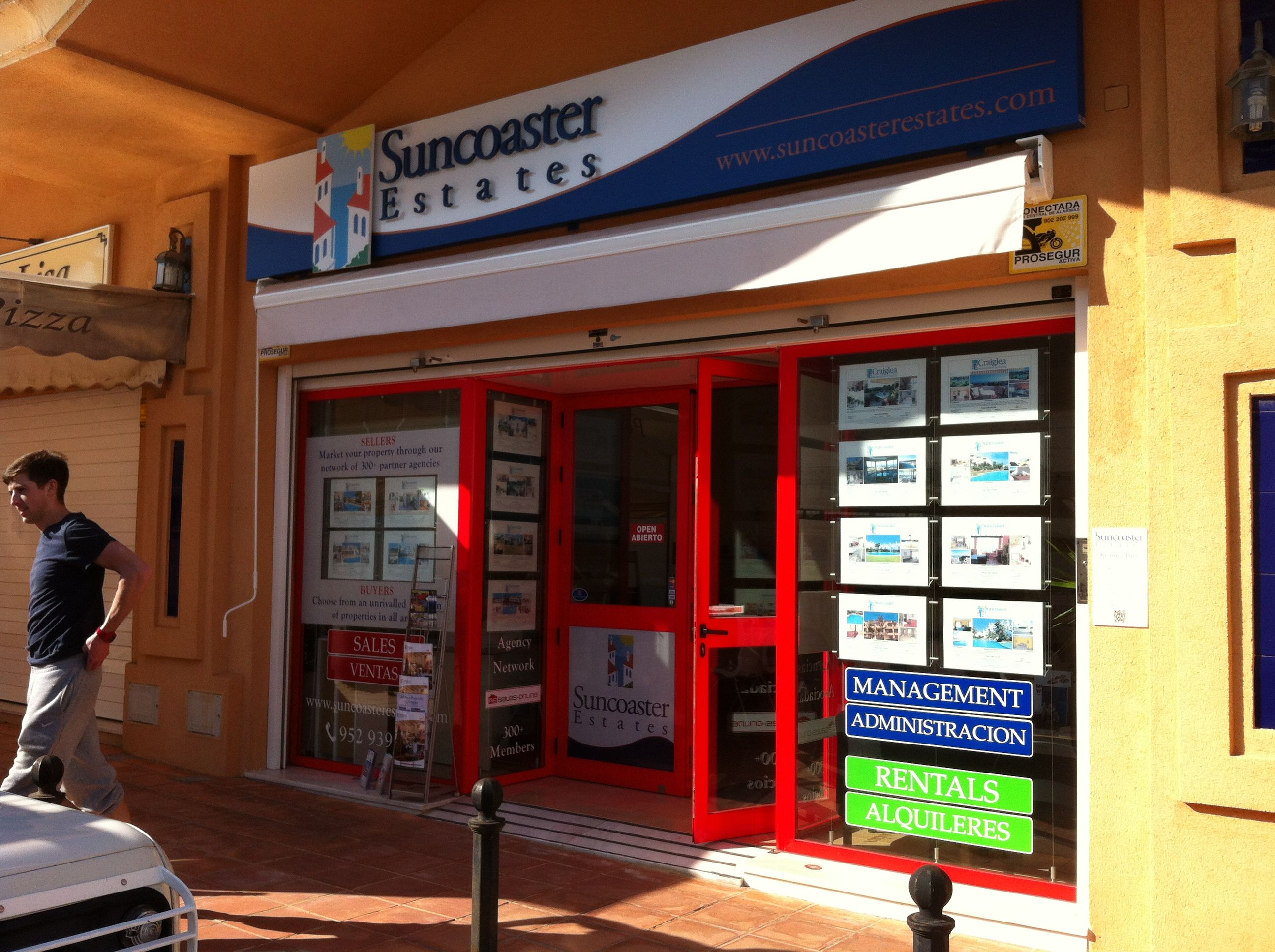 Fascia signage and window display systems and vinyl text