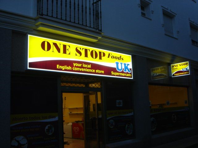 Illuminated projecting sign and fascia